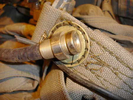 Air hose with connector on its end. Click to enlarge.